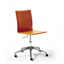 Chair with mod wheels. Zip