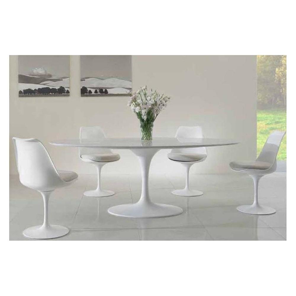 Tavolo saarinen ovale con piano in marmo cristallino for Tavolo ovale bianco design